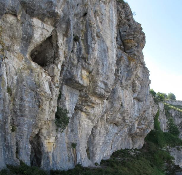 Nos vamos acercando a la cueva de Araos.