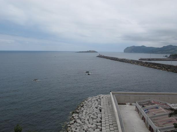 Llegamos a un mirador sobre el puerto.